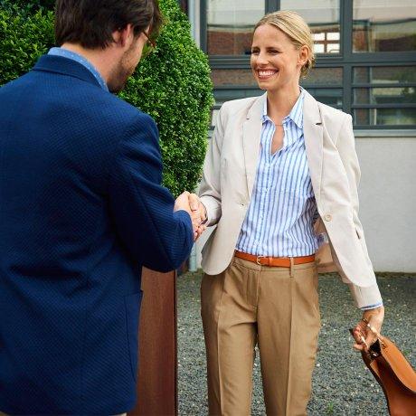 Správné oblečení do práce - dokonalý kancelářský vzhled 0d75495bf0