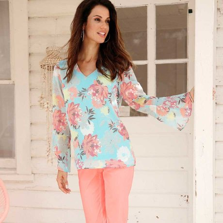 bb40ed609396 Žena - Oblečení - Poradna - Svět módních stylů - Klasicky moderní kolekce.  bpc selection schwarz. Stylová móda