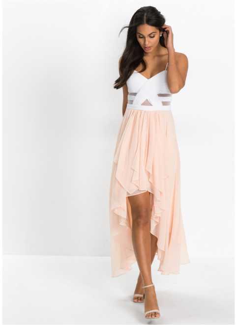 bb0a19dfa57 Dlouhé šaty v různých střizích najdete u bonprix