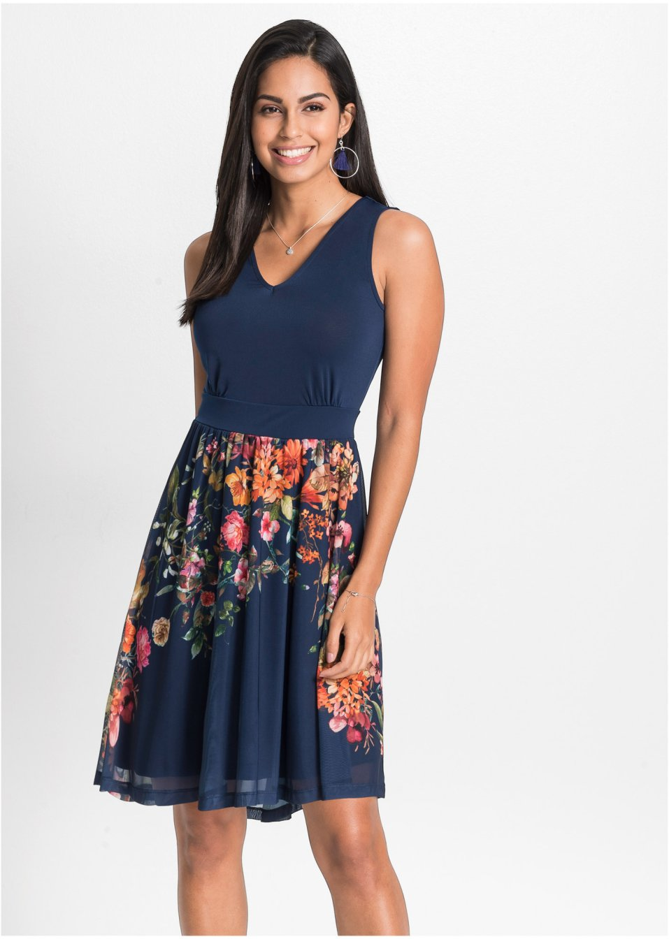 Žerzejové šaty se síťovanou sukní půlnočně modrá s květy - BODYFLIRT -  bonprix.cz 52c17f017f