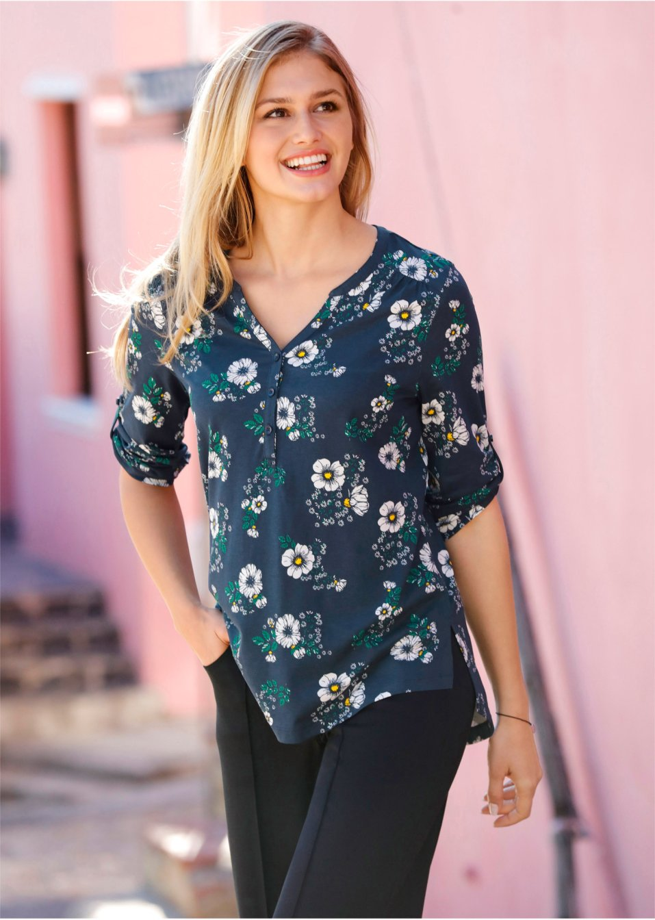 Dámské tuniky v široké nabídce v e-shopu bonprix 0721e27ba5