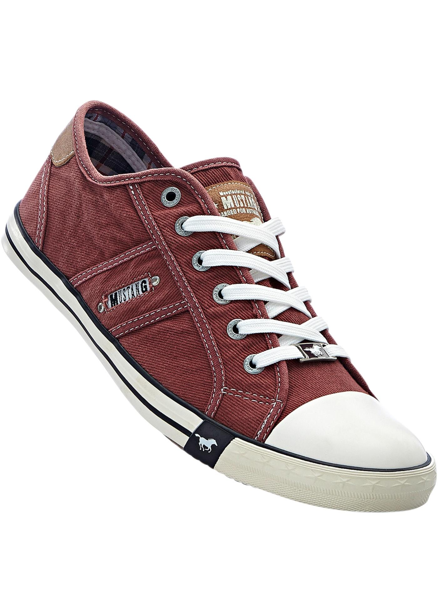030cb982287 Vycházková obuv značky Mustang - Červená